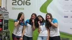 (Deutsch) Mädchen nehmen an Rafting WM in Al Ain teil